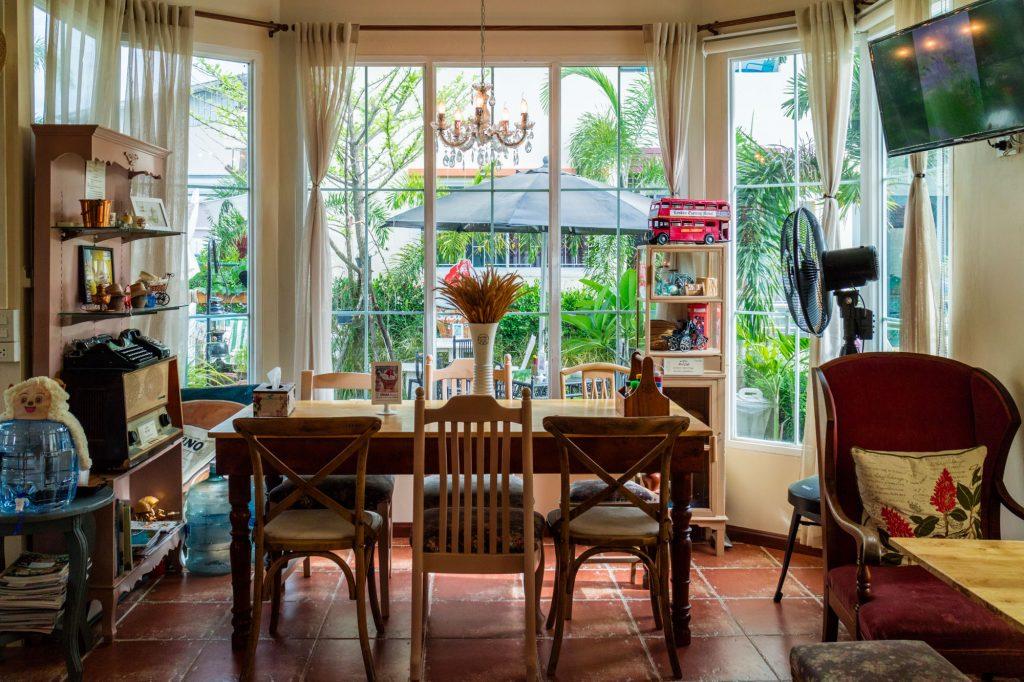 มุนาเซร พูลคาเฟ่ Munasir Pool Cafe พัทยากลาง | Halal Blogger Review