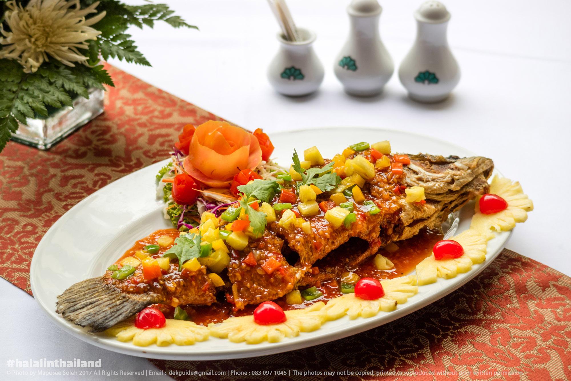 ห้องอาหารฮาลาล คาซาบลังก้า เดอะ รอยัล พาราไดซ์ โฮเทล แอนด์ สปา ภูเก็ต